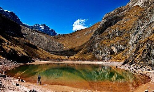 Laguna Huillcacocha 4800. msnm, Santuario Nacional Ampay