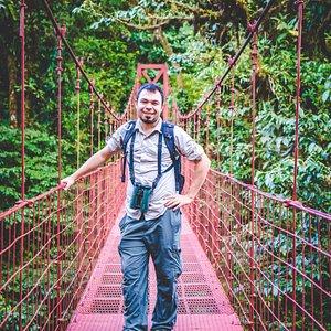 Oscar Castillo Nasua Tours, Monteverde Cloud Forest B. Reserve.