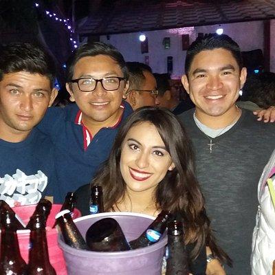 Noche de amigos en La Mentecata
