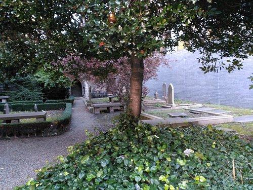 Cementerio Hugonotte en el Centro de Dublín