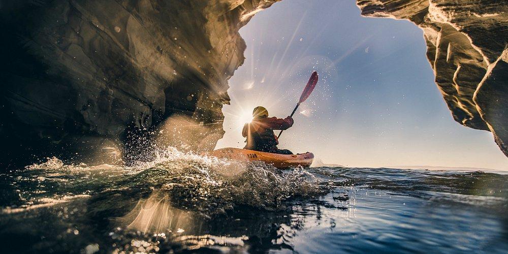 Kayaking Dinosaur Caves in Pismo Beach