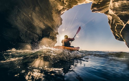 Kayaking Dinosaur Caves in Pismo Beach