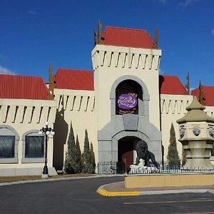 Palace Playhouse is a first class dinner-theatre, providing entertainment to both young and old.
