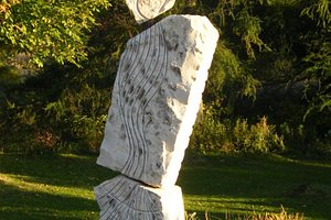 """Sculpture monumentale """"land art"""" en grès d'Ontario"""