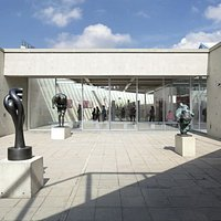 Patio in museum Beelden aan Zee (c) G. Schreurs