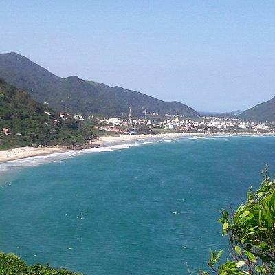 Vista da praia da Solidão pela trilha que leva ao Saquinho