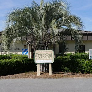 Taylors Creek Glof COurse Clubhouse