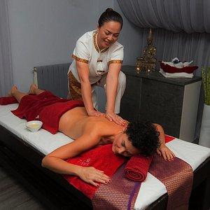 Aroma Oil massage 60 minutes