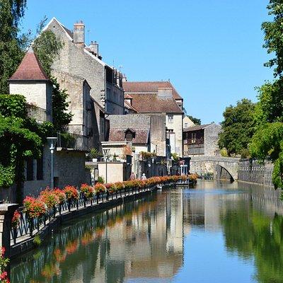 Le canal des Tanneurs, dans le vieux Dole