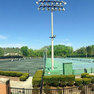 16 Courts (8 Hard and 8 Clay)
