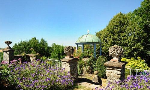 le Temple de l'Amour au Jardin Jaune et Bleu