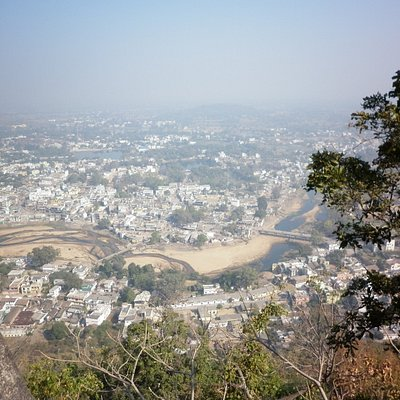 A panoramic view of the Kanker city from atop the mountain.