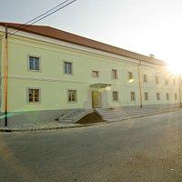 A Világörökségi Bormúzeum kívülről - The building of the World Heritage Wine Musem