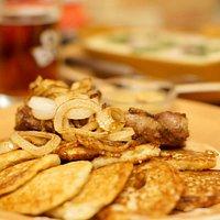 Блюда национальной кухни очень сытны, а если учесть и размер порции...