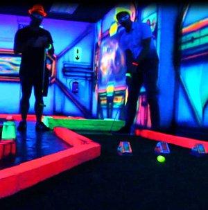 3D Glow in the Dark Mini Golf Adventure