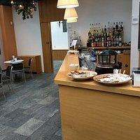 Area bar ed ingresso sala ristorante