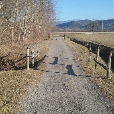 """The """"Sentiero dei pittori"""" as a plain path along the Sieve river, in a beautiful winter afternoo"""