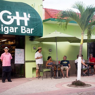 Havana Bob's Green House Cigar Bar