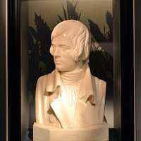 A bust of the poet