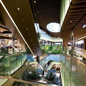 內蘊文化意涵的商場空間,用空間視覺傳達時尚流行。
