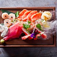 Сашими. Гребешок, камчатский краб, тунец, лосось, салат из дайкона