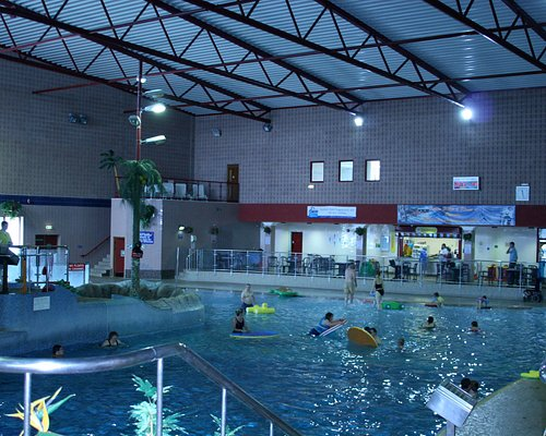 Leisure Pool with Flumes, Waves, Waterfall, Finger Jets and lots more
