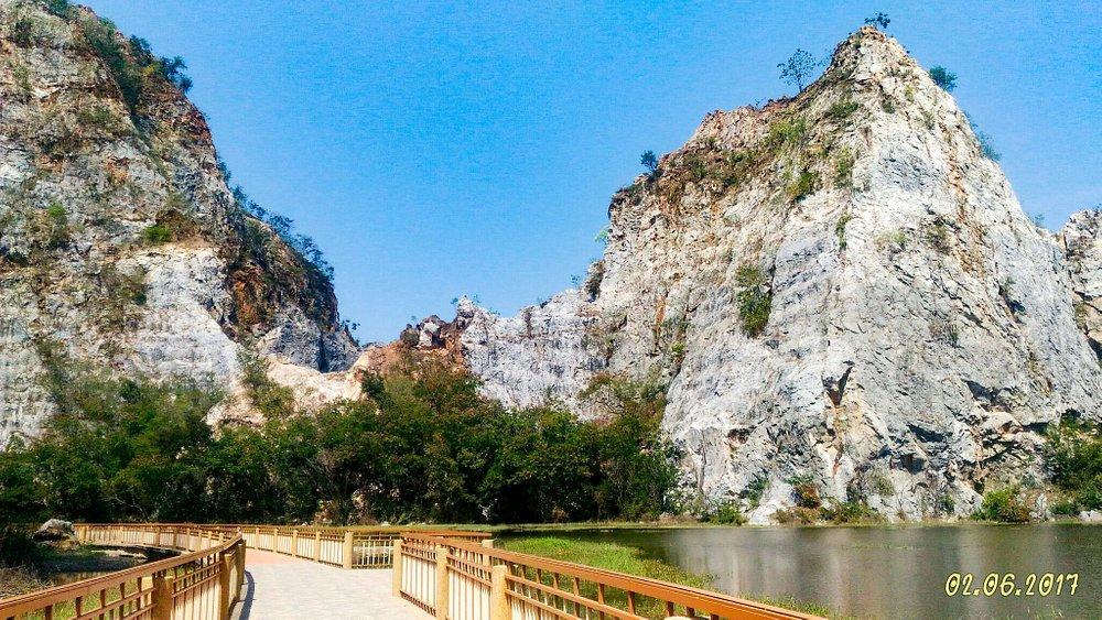 อุทยานหินเขางู จังหวัดราชบุรี ชอบถ่ายรูป เราแนะนำที่นี่ค่ะ :)