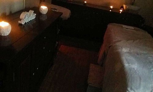 warm cozy massage room, treatment room for facials & pedicures. heavenly bliss