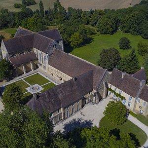 Vue aérienne Abbaye de l'Epau ©Air2D3