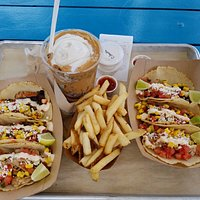 Street tacos, fries and a peanut butter smash! YUMMY!