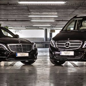 VIP transfers, private tours and concierge in Warsaw, limousines and minivans with driver