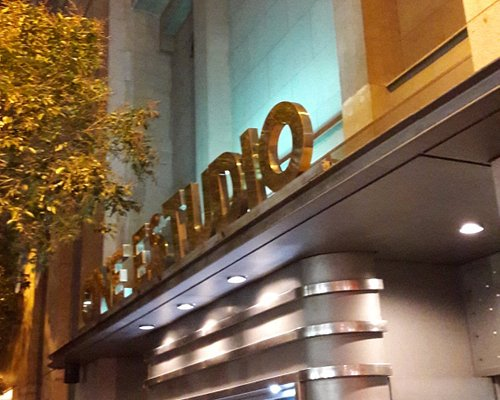Entrada al Cine Estudio del Circulo de Bellas Artes de Madrid
