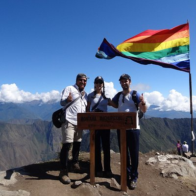 Machupicchu  Montaña  hike  - Private Tours  peru