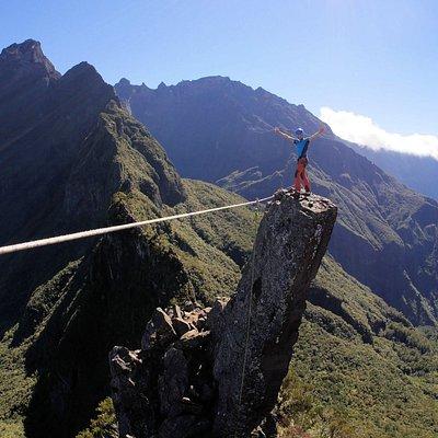 L'ascension sensationelle des 3 Salazes, le must de la rando technique à La Réunion.