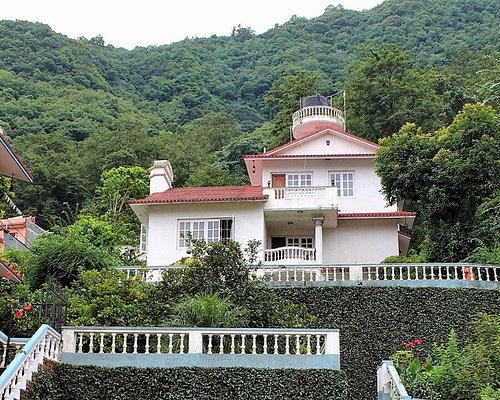 Nepal Yoga Home Building