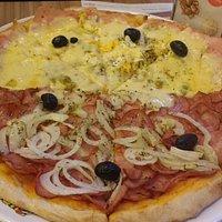 Pizza Portuguesa e Calabresa