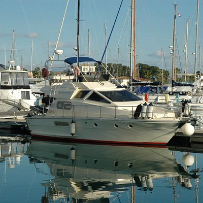 This is Nizinski before leaving the marina in Gouvia for a day cruising the coastline.