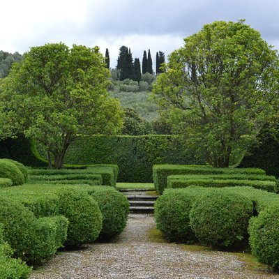 сад виллы