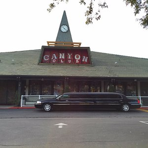 American Luxury Limousine at the Canyon Club in Agoura Hills, a popular place for limo services.