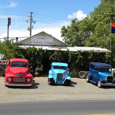 A favorite stop for Antique Cars between Phoenix and Flagstaff.
