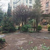 6B Botanical Garden