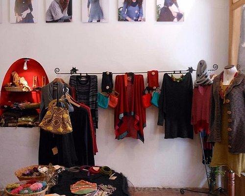 Tienda en Calle Palacio, 116. Cusco.