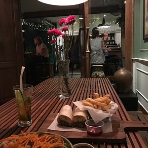Love the atmosphere. Very vintage, laid back and great food. Thanks to my BF for bringing me her