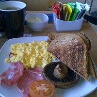 Scrambled egg bacon mushroom tomato and toast £3.85