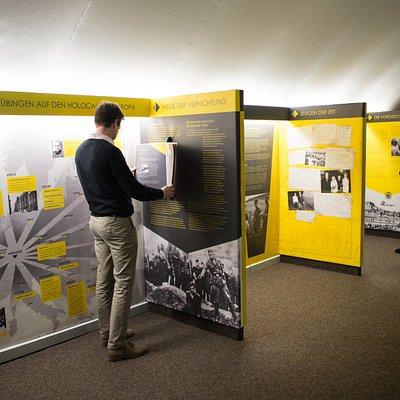 Ausstellung im historischen Kellergewölbe