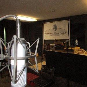 Live radio theatre