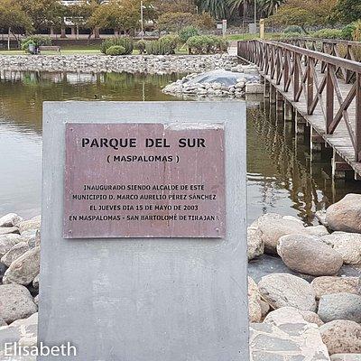 Parque del Sur, bro över konstgjord sjö