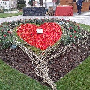 Simbolo d'amore in centro storico.