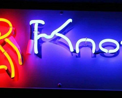 8Knots Neon Lights