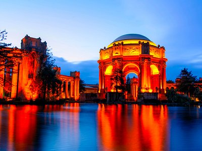 The Palace of Fine Arts at dusk